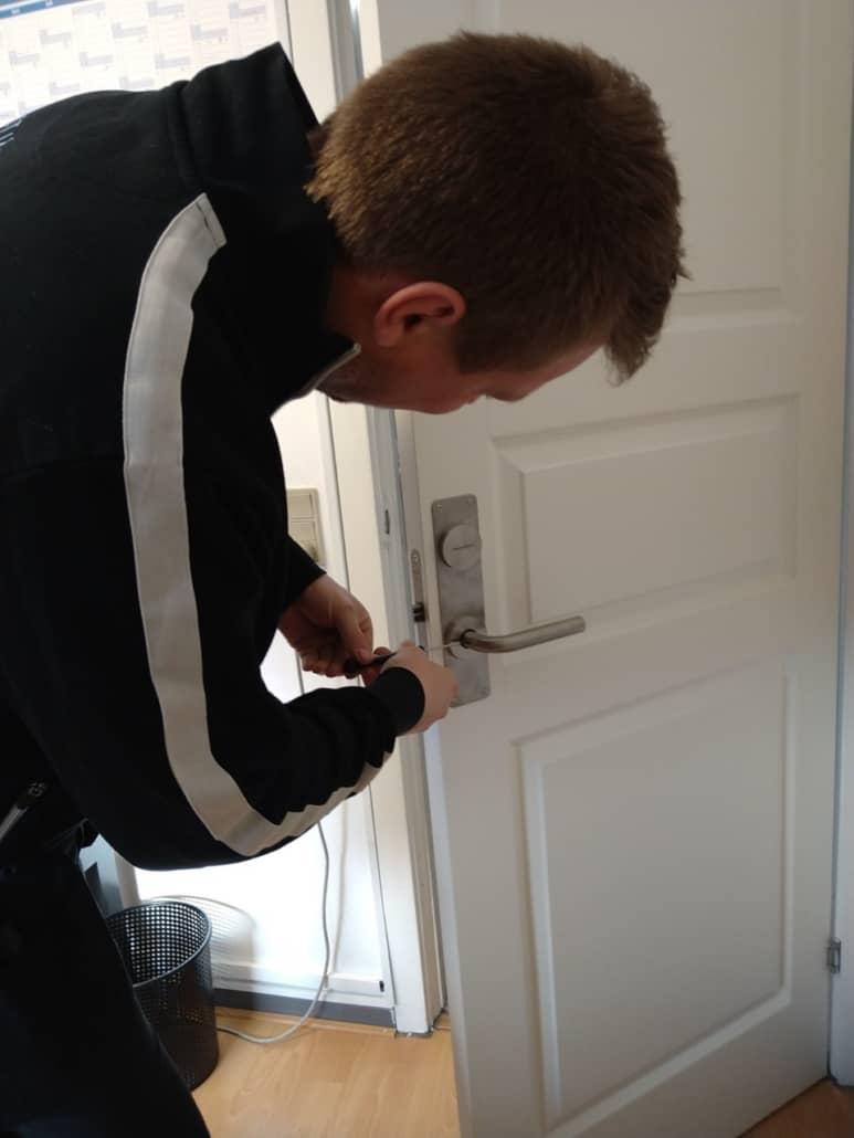 Renovering af dørhåndtag